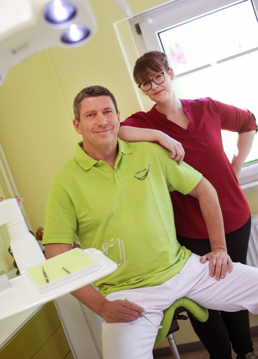 Zahnarzt Dr. Jens Hänel und Zahnärztin Julia Kreuzer